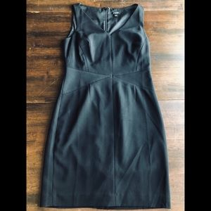 Stunning Ann Taylor Sheath Dress Size 4